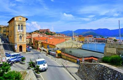 Färjor till Elba